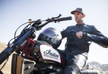 Travis Pastrana com Indian Scout FTR750